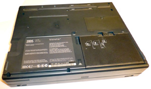Ноутбук IBM ThinkPad Type 2635 сзади